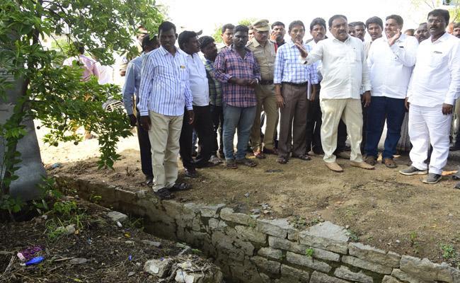 Errabelli Dayakar Rao Fires Over Officials About Chityala Sanitation - Sakshi