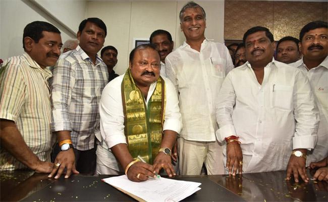 Gangula Kamalakar Has Taken Ministerial Responsibility - Sakshi