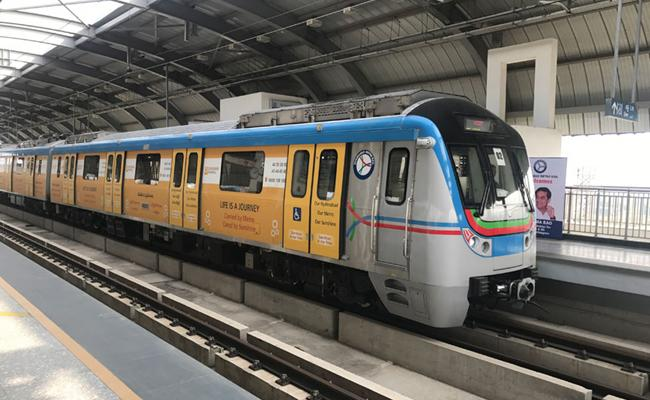 Hyderabad Metro Service Timings Extended Due To RTC Strike - Sakshi