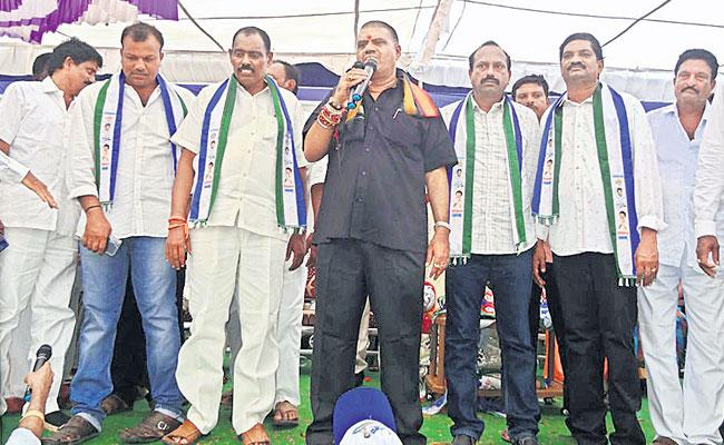 Bhimili TDP Leaders Joined In YSR Congress Party - Sakshi