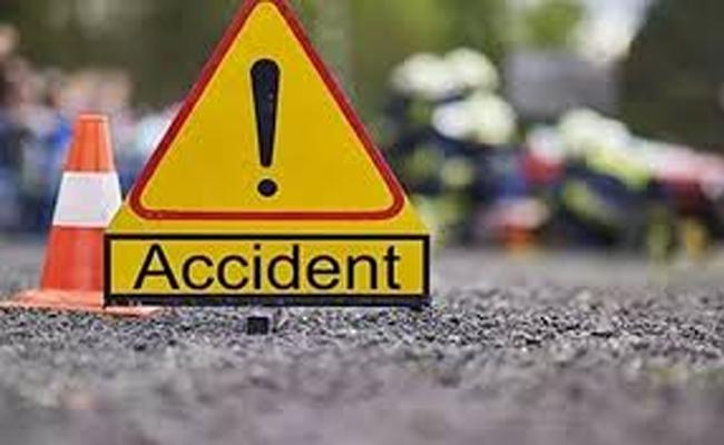 8 Members Died In Two Accidents At Warangal - Sakshi