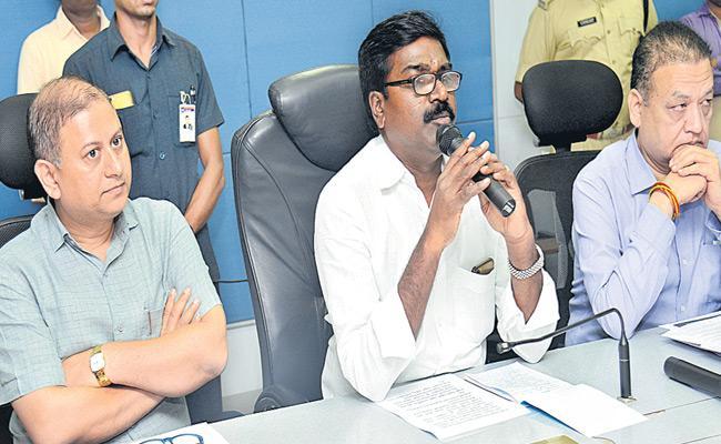 Government Of Telangana Warns RTC Employees To Withdraw Strike - Sakshi
