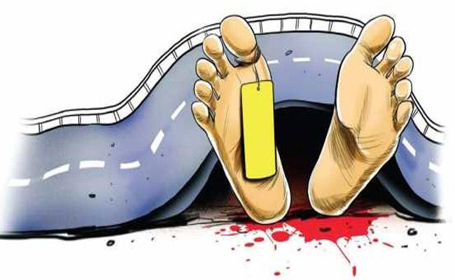 8 People Died In Road Accidents In Joint Warangal District - Sakshi