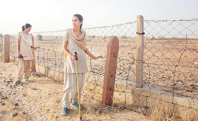 Rajasthan National Park Two women Forest Guards Forgea Frienship - Sakshi