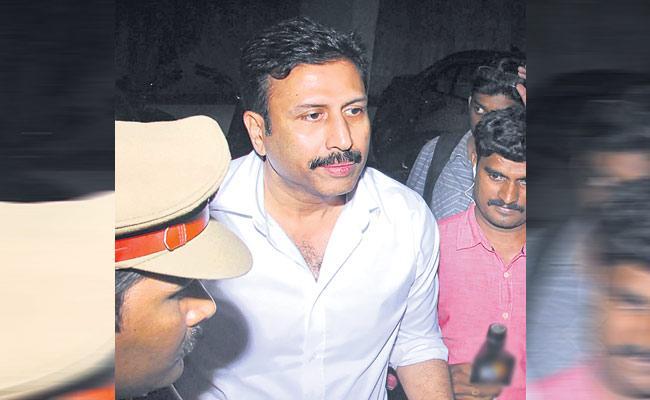 Hyderabad Police Arrested TV9 Ex CEO Ravi Prakash In Cheating Case - Sakshi
