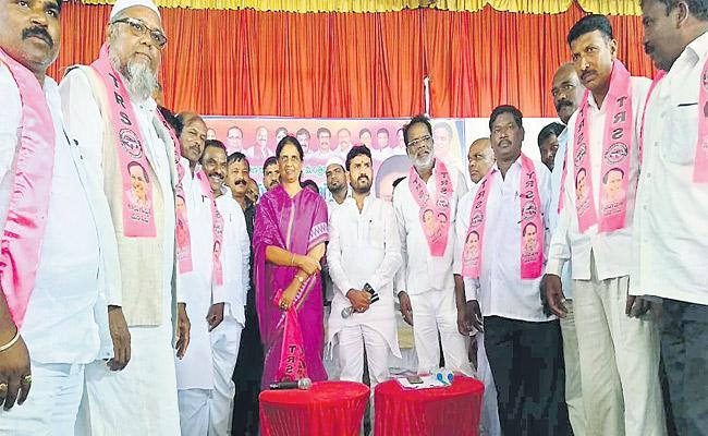 We Have Commitment On Vikarabad And Ranga Reddy Said By Sabitha - Sakshi
