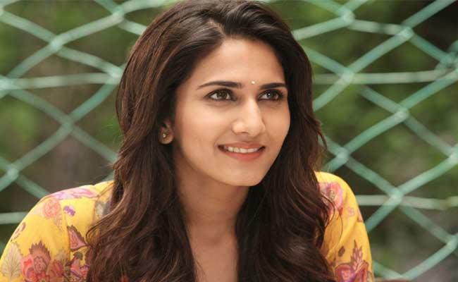 Vani Kapoor Exclusive Interview In Sakshi Funday