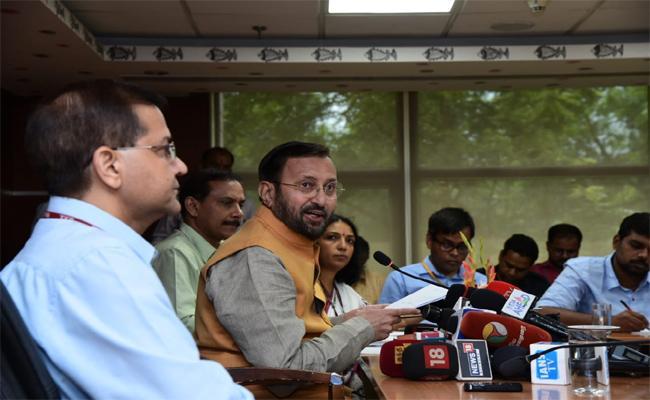 Prakash Javadekar Has Talks About The Drive At Aarey - Sakshi