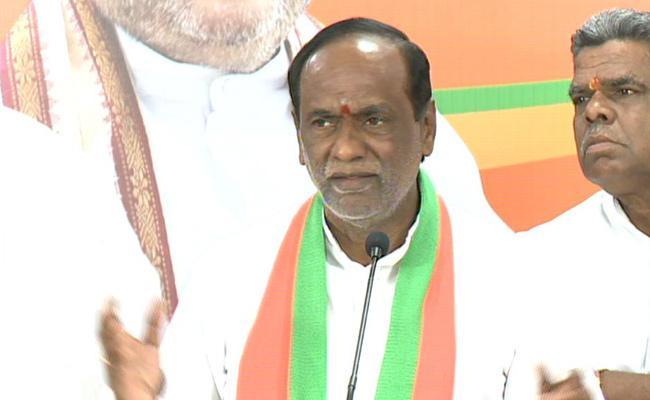 BJP President Laxman Fires On CM KCR On RTC Issue - Sakshi