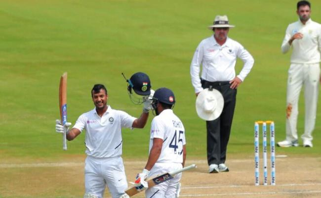 Mayank Plays Fearlessly Just Like Sehwag Laxman - Sakshi