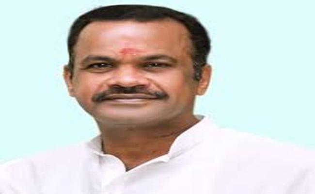 RTC Should Be Merger Into Government Komatireddy Venkatreddy Demands - Sakshi