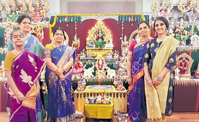 Dussehra Celebration In Gollapudi Maruthi Rao Residence At Chennai - Sakshi