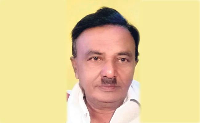 Drama Artist Died From Heart Attack In Anakapalli - Sakshi