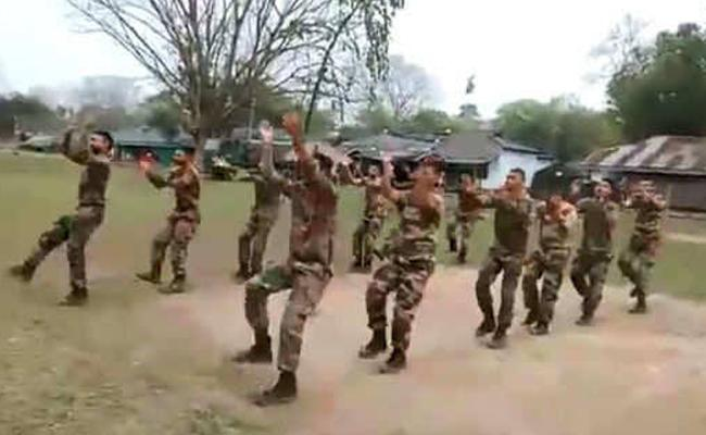 Jawans Playing Garba Dance Posted By Anand Mahindra - Sakshi
