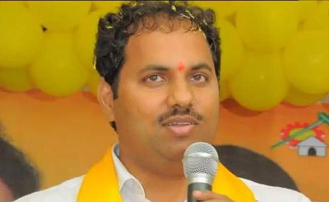 Kodela Siva Ramakrishna Attended Before Mangalagiri Court Over Assembly Furniture Case - Sakshi