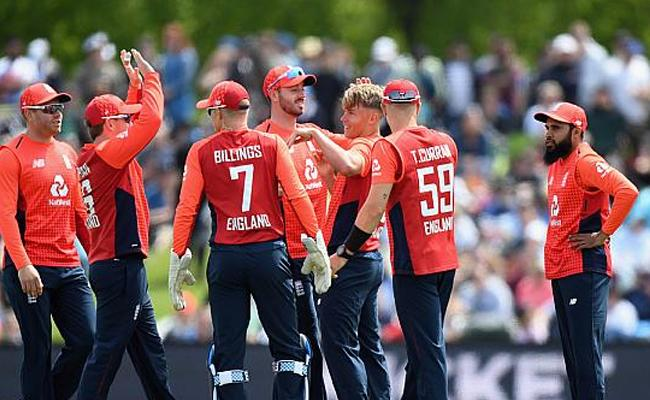 1st T20I: England beat New Zealand by 7 wickets - Sakshi