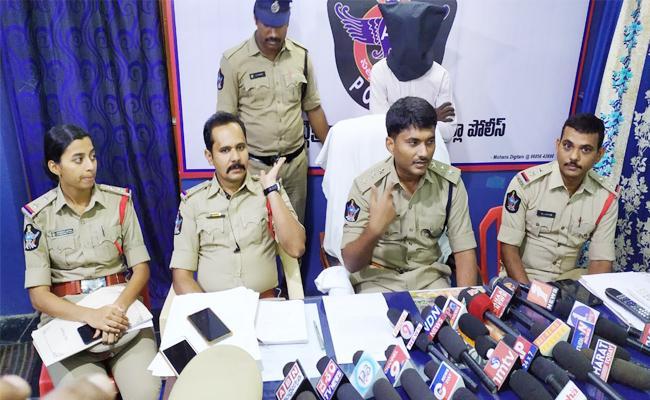 Husband Arrest in Wife Murder Case PSR Nellore - Sakshi