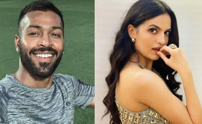Hardik And Natasa Stankovic Spotted At A Dinner Date - Sakshi