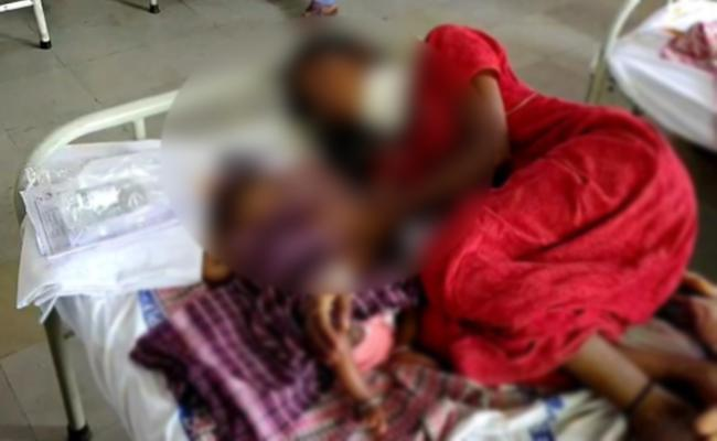 Woman Attacks on Lover Wife with Knife - Sakshi