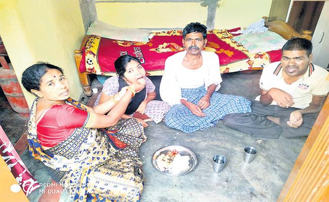 Family Suffering From Fits Disease In Medak - Sakshi