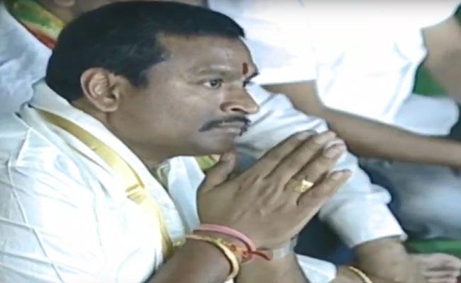 Minister Vellampalli Srinivas Attended Rudrabhishekam In Vijayawada - Sakshi