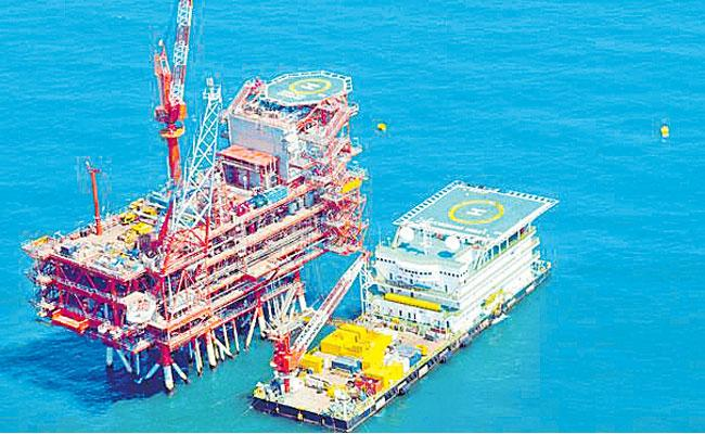 Reliance Industries Cuts Base Price For New Gas By 7Percent From KG D6 Block  - Sakshi