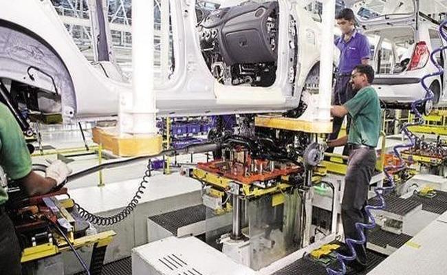 Industrial activity contracts 4.3 per cent in September: IIP data - Sakshi