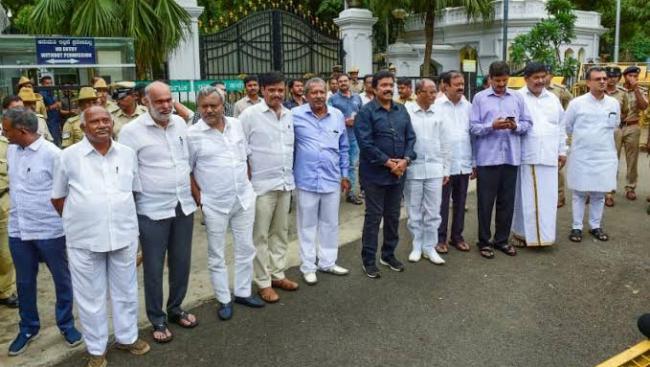 Karnataka bypolls to be held on Dec 5, counting on Dec 9 - Sakshi