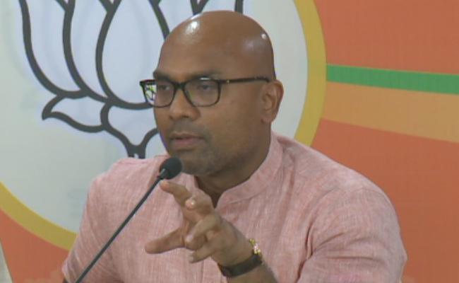 Nizamabad BJP MP Aravind Fires On KCR Over TSRTC Strike - Sakshi