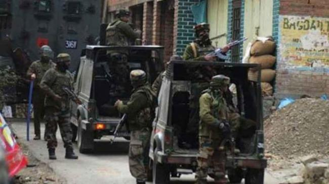 Two Terrorists Killed As Gunfight Resumes In Bandipora   - Sakshi
