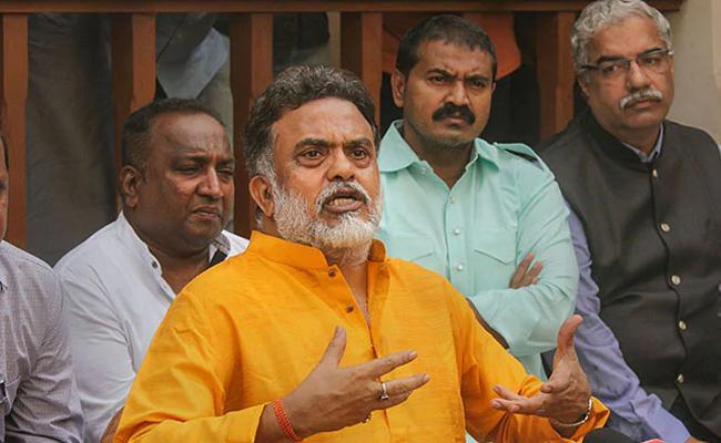 Political Instability In Maharashtra Says Sanjay Nirupam - Sakshi