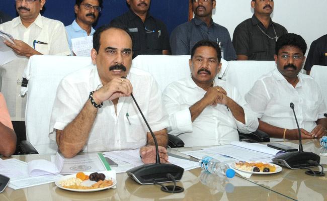 Minister Balineni Srinivasa Reddy Fires On Chandrababu Naidu And Pawan Kalyan - Sakshi