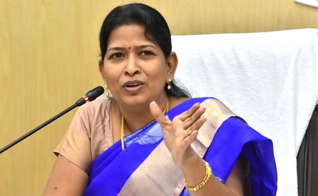 Minister Taneti Vanita Reacted On Narsapuram Incident That Father Hits His Two Children - Sakshi