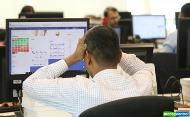 Huge risks to Stock Markets - Sakshi