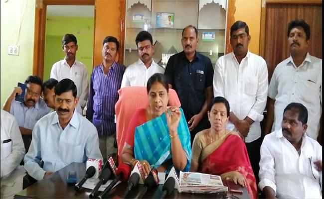 MLA Kangati Sridevi Comments About Illegal Sand Mining By TDP Leaders - Sakshi