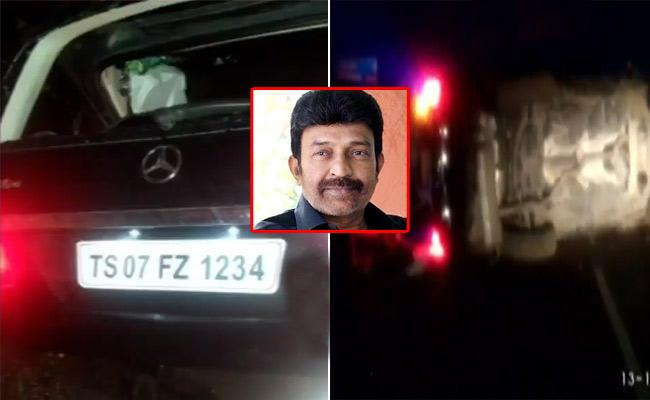 Telugu Hero Rajasekhar Meets with a Car accident, Escapes Unhurt - Sakshi