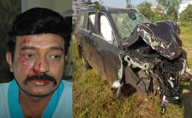 Telugu Hero Rajasekhar Says His Escaped From Car Accident - Sakshi