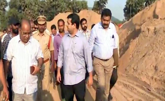 Collector Vinay Chand Checks Sand Depots In Visakhapatnam - Sakshi