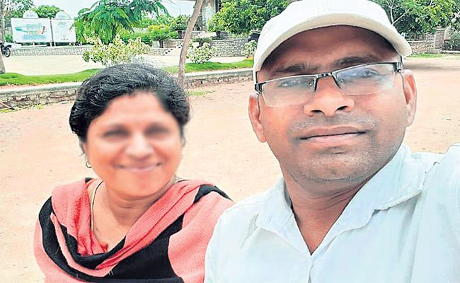 Husband Kills Wife With A Hammer In Dundigal - Sakshi