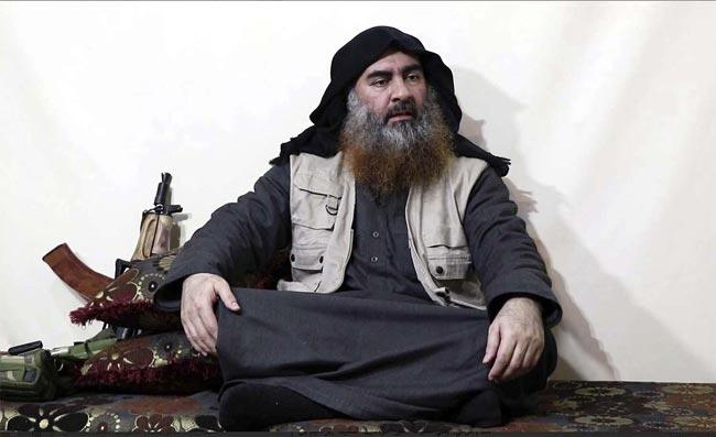 Donald Trump says U.S. on the hunt for new ISIS leader - Sakshi