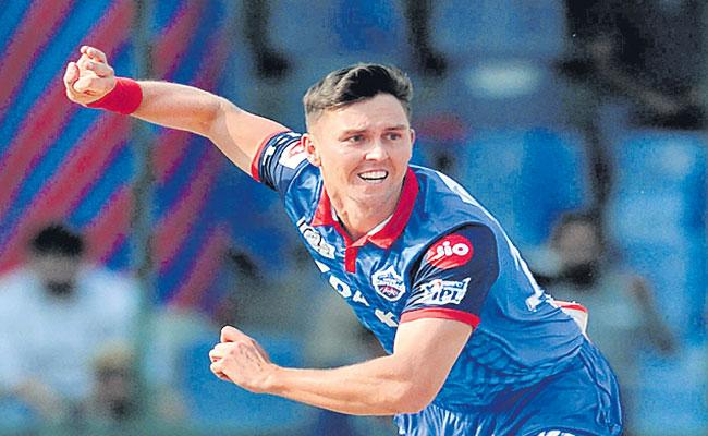 Trent Boult Heads To Mumbai Indians From Delhi Capitals - Sakshi