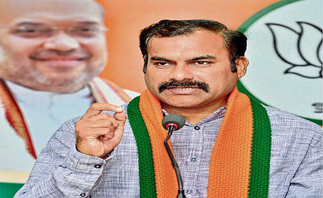 KCR Govt Is Not Showing Intrest To Solve RTC Problem Says Ravula Sridhar - Sakshi
