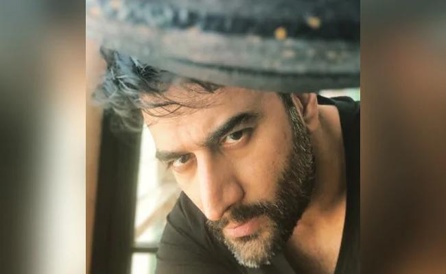 Hotel Charges Composer Shekhar Ravjiani Over Rs 1600 For 3 Eggs - Sakshi