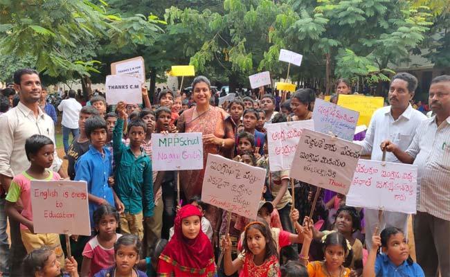 Nagiri MLA RK Roja Comments On Chandrababu And Pawan Kalyan - Sakshi