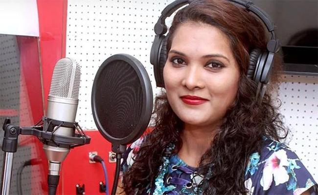 Singer Geeta mali Died In Accident - Sakshi