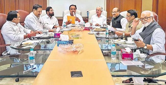 Shiv Sena, NCP, Congress finalise draft common agenda for Maharashtra - Sakshi