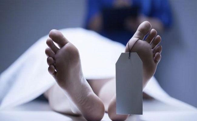 Hospital Staff Has Not Done Postmortem To Women Deadbody In Kurnool  - Sakshi