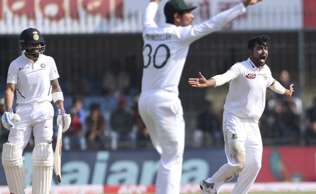 Virat Kohli Dismissed Third Time With Out Scoring In Home Tests - Sakshi