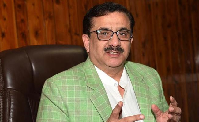 Shia Central Waqf Board chairman Wasim Rizvi Donate To Ayodhya Temple - Sakshi