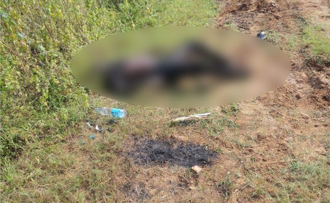 A Suspicious Dead Body Found On Vijayawada Highway - Sakshi